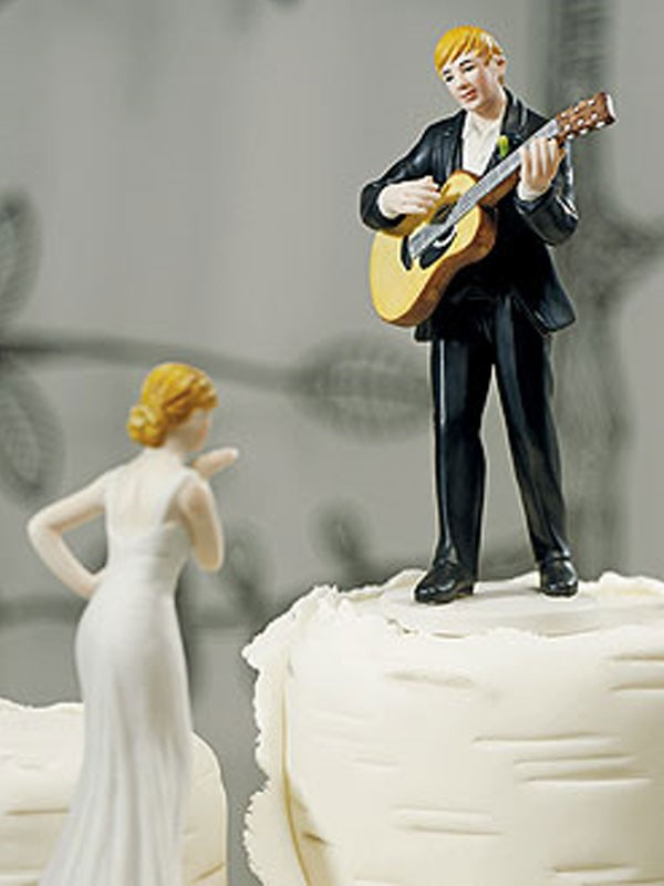 Guitar Serenade Cake Top